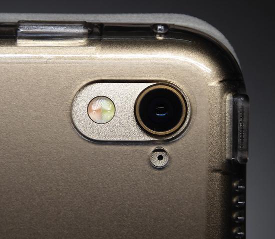 15カメラ部分iPadproプラスチ.jpg